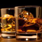 Come bere il whisky per apprezzarlo veramente