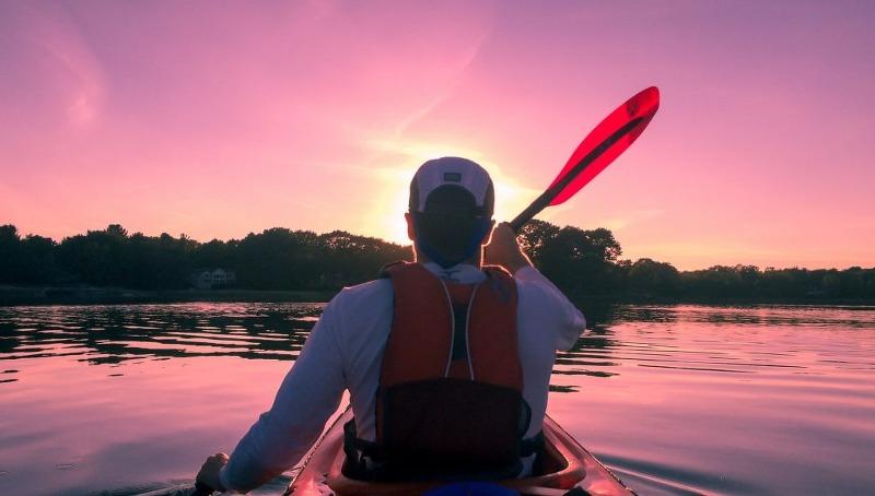 kayaking-1149886_1920-1021x580_800x454
