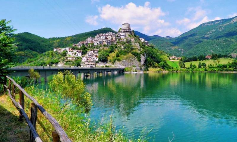 lago di turano_